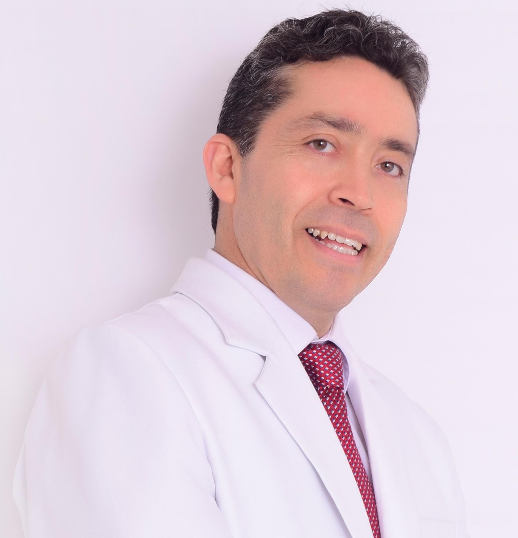Dr. Ronald Espinoza Gárcia